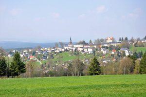 Wandern: Blick von der Hohen Reuth auf Schöneck